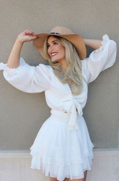 I am a Hair Designer, Hair-Colorist, Makeup Artist and Photographer in Orlando, Florida 34787.